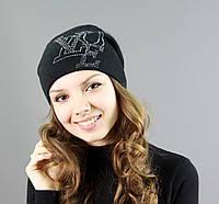 Модная женская шапочка