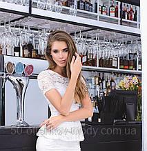 Кружевная блуза с баской, короткий рукав, цвет - молоко