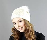 Женская шапка с рисунком