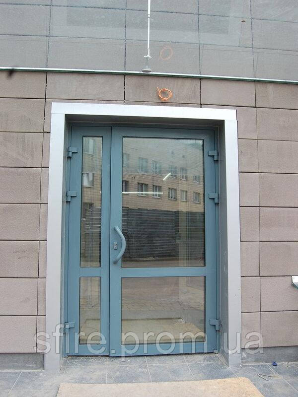 Двері протипожежні алюмінієві засклені до 90% ЕІ 60 зовнішні