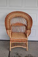 Кресло развёрнутое из лозы