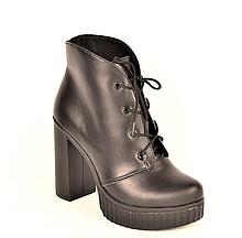 Ботильоны женские на каблуке кожаные черные 231117