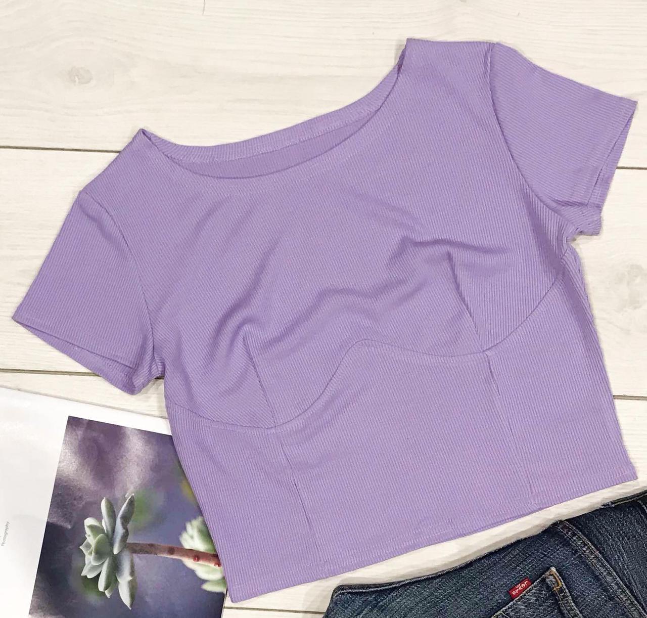 Базовая женская футболка с имитацией корсета.