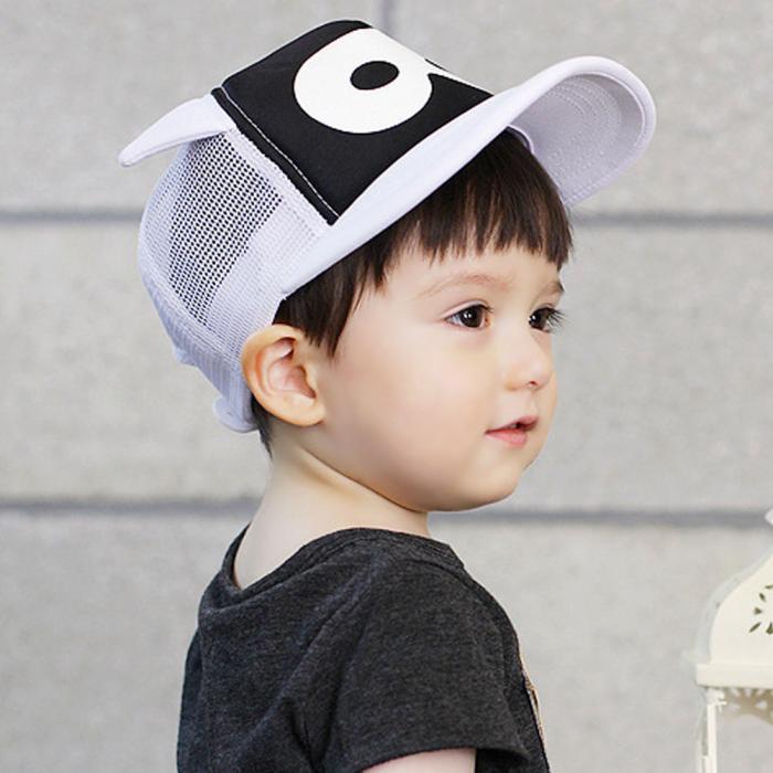 Стильная детская бейсболка в черно-белых тонах. Маленький модник. Высокое качество. Детская кепка. Код: КД42