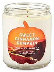 Ароматизованная свеча Sweet Cinnamon Pumpkin Bath & Body Works