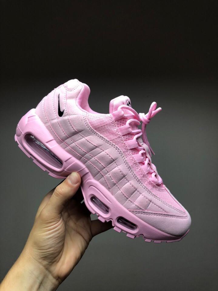 Рожеві жіночі кросівки Nike Air Max 95