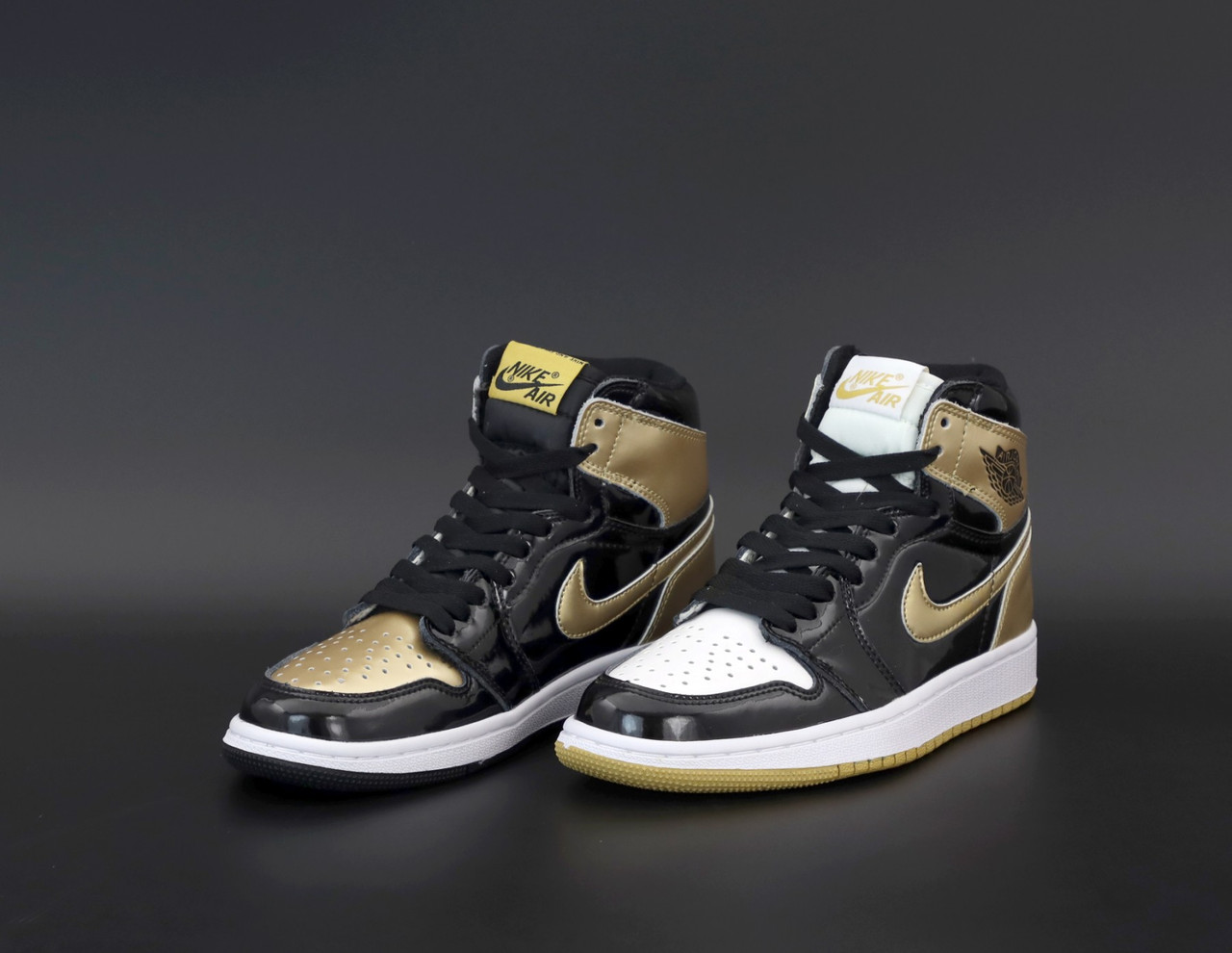 Женские кроссовки Nike Air Jordan 1 Retro