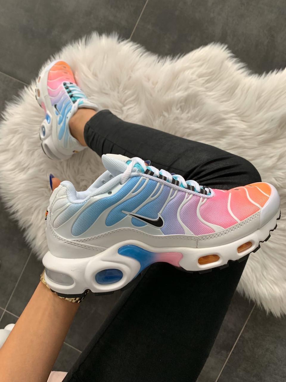 Кроссовки женские Nike Air Max Plus TN Multicolor. Стильные женские кроссовки Найк разноцветные.