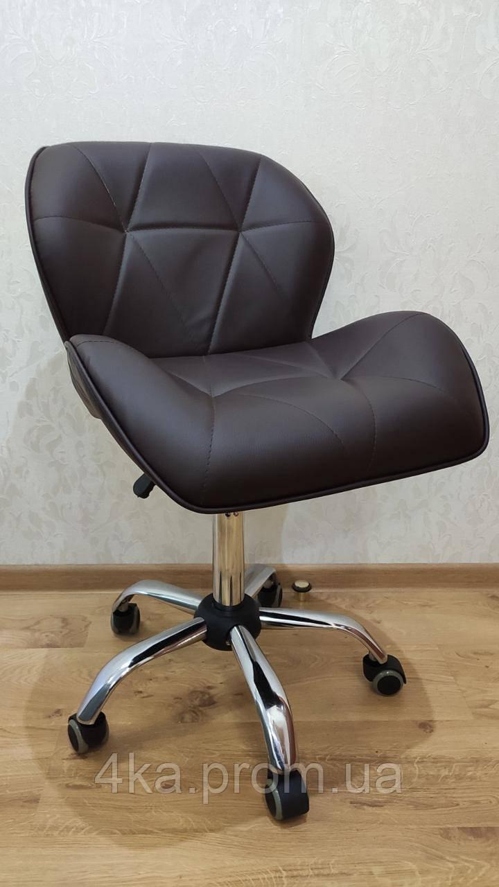 Крісло на колесах HC111K коричневий