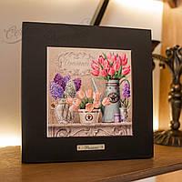Картина из дерева и керамики Allicienti Тюльпаны и сирень темная рама 28х28 см