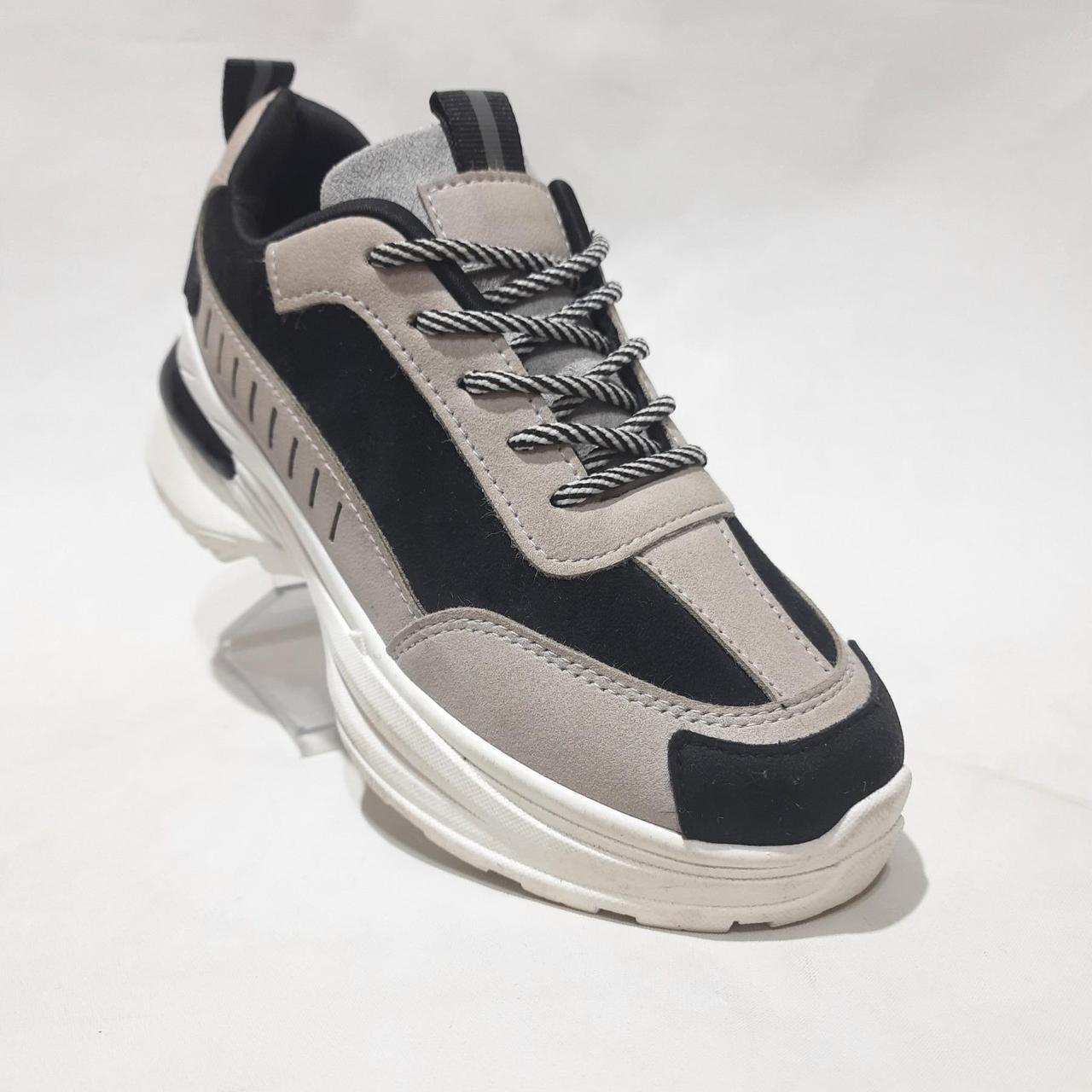 38 р. Весняні жіночі кросівки з еко-шкіри беж з чорним маломірки Остання пара