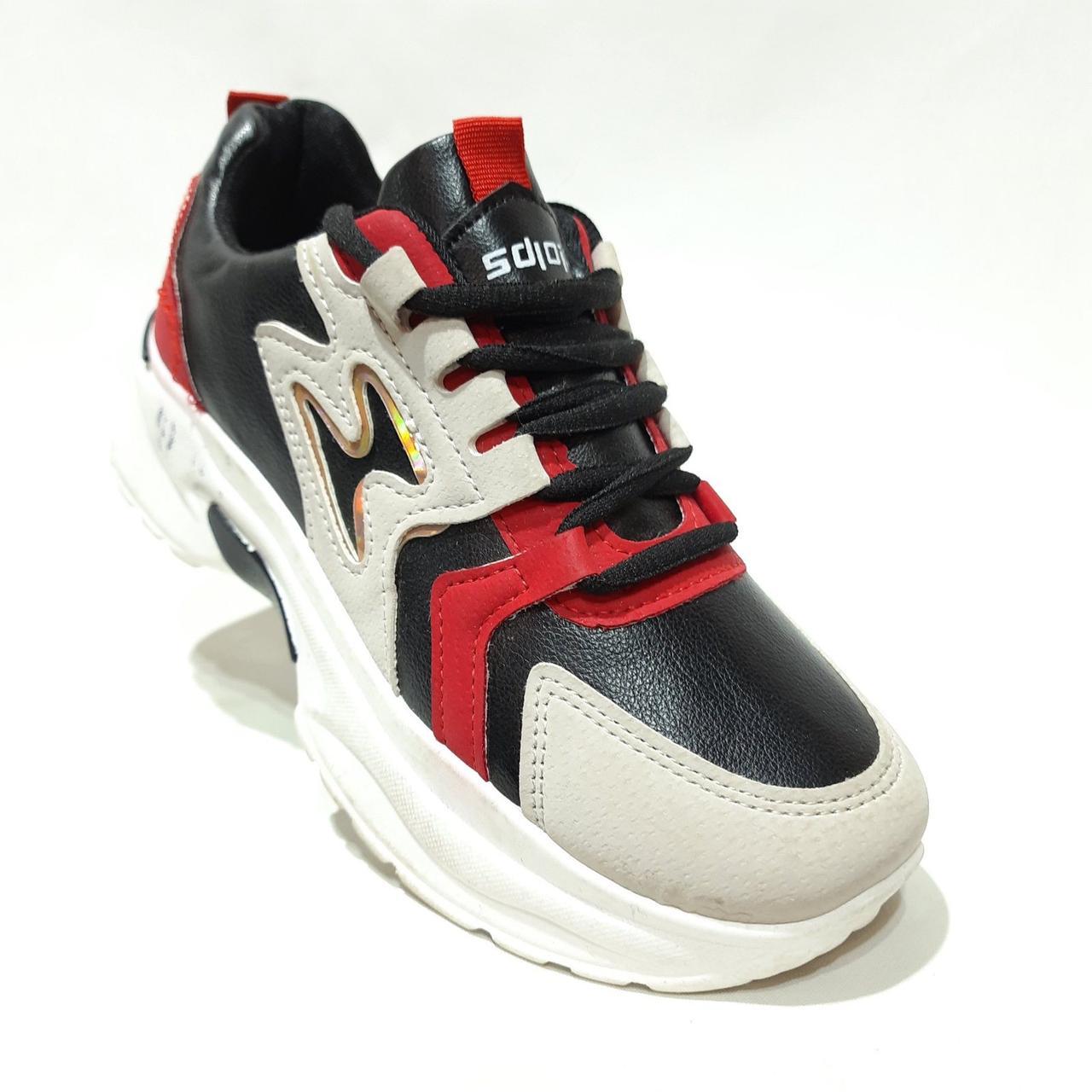 39,40 грн. Весняні жіночі кросівки з еко-шкіри чорно-білий з червоним маломерят