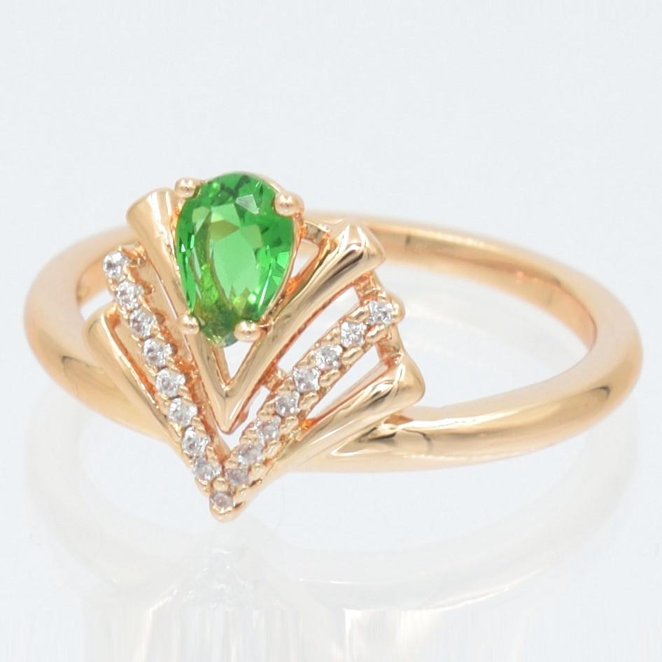XUPING Кольцо Позолота 18к виктория с зеленым цирконом Ширина 1.2см, Размер 16.5