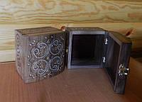 Шкатулка горіхова ручної роботи та бісерною інхрустацією 13*12*9 см