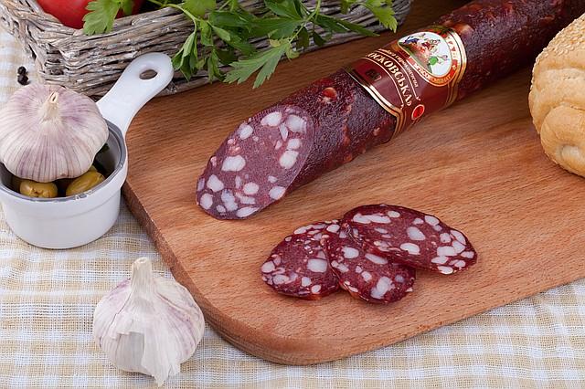 Сырокопченые и сыровяленные колбасы
