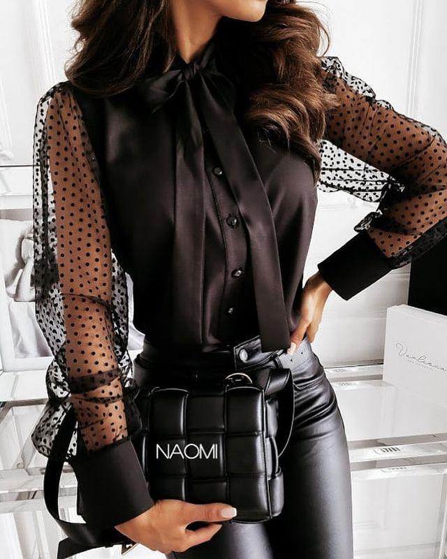 Женская стильная блузка под горло с рукавами в горошек
