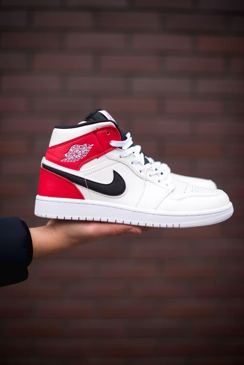 Баскетбольні кросівки Air Jordan 1 Retro Mid RedWhite