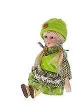 Кукла сидячая фарфоровая Лиза высота 20 см в подарочной коробке