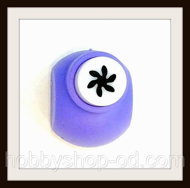 Діркопробивач Квітка 1 см кнопка