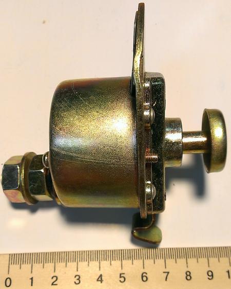 63-03 Выключатель массы ВК318-Б