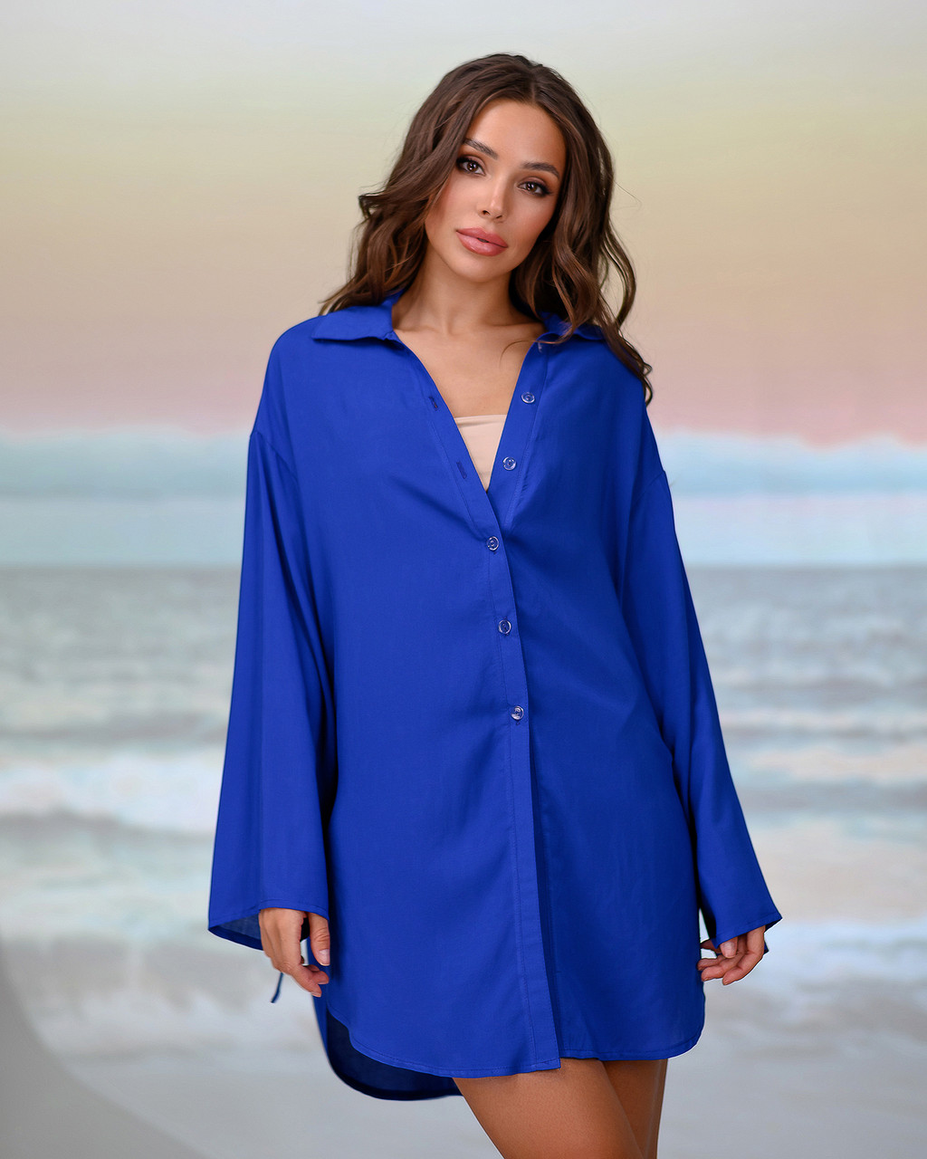 Короткая пляжная туника-рубашка.Цвет электрик. Размер 42-44