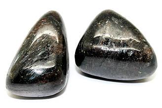 Нуумит натуральный камень галтовка на развес, Цена указана за 16 грамм, Цвет Черный перламутровый
