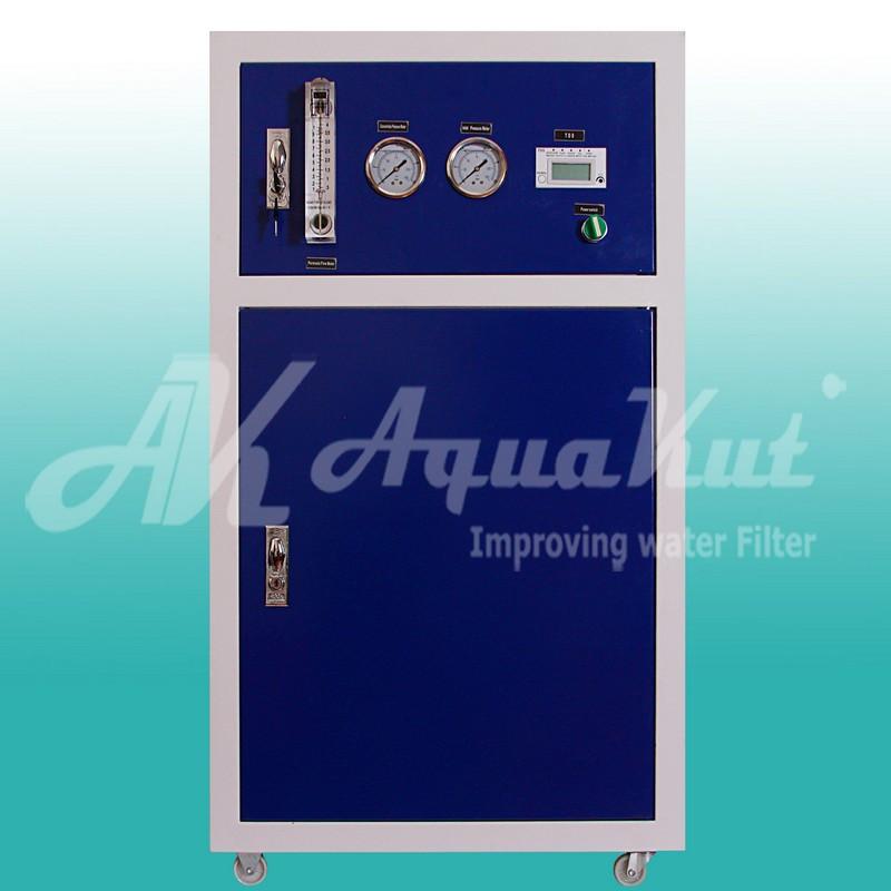 Осмос-шкаф с электронным контроллером RO-B06, 400G (1512 л/сутки)