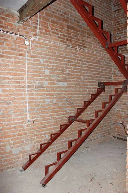 Проектирование, изготовление металлических, деревянных лестниц