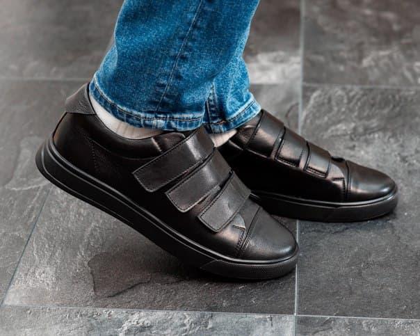 Кожаные мужские туфли на липучках