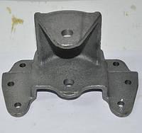 Кронштейн передней рессоры, передний (пр-во DK)