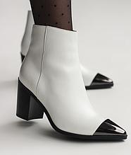 Ботильйони білі жіночі на каблуку