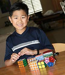 Как Кубик Рубика и поддержка окружающих помогают в борьбе с аутизмом
