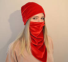 Женский комплект из шапки и шейного платка-маски из бархата. Красный