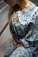 Женское платье с большим стильным воротником