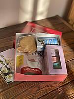 Подарочный набор с чаем 8 МАРТА