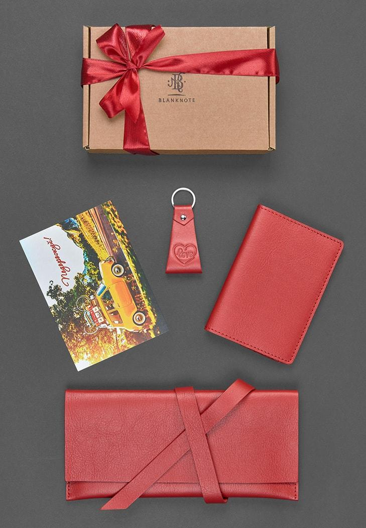 """Женский подарочный набор кожаных аксессуаров для путешественницы """"Мадрид"""""""