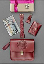 """Женский подарочный набор кожаных аксессуаров """"Бордо"""": сумка, кард-кейс, браслет и брелок"""