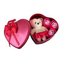 Коробка в форме сердца с мыльными розами и мишкой Розовая