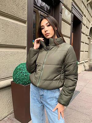 Стильная короткая зимняя женская куртка хаки