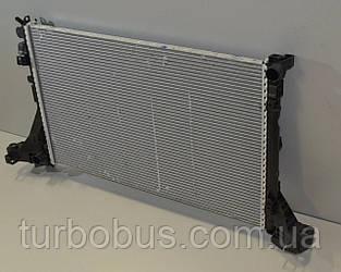 Радиатор охлаждения двигателя 2.3 dCi на Renault Master III 2010 (+/- AC) - Renault (Оригинал) - 214107695R