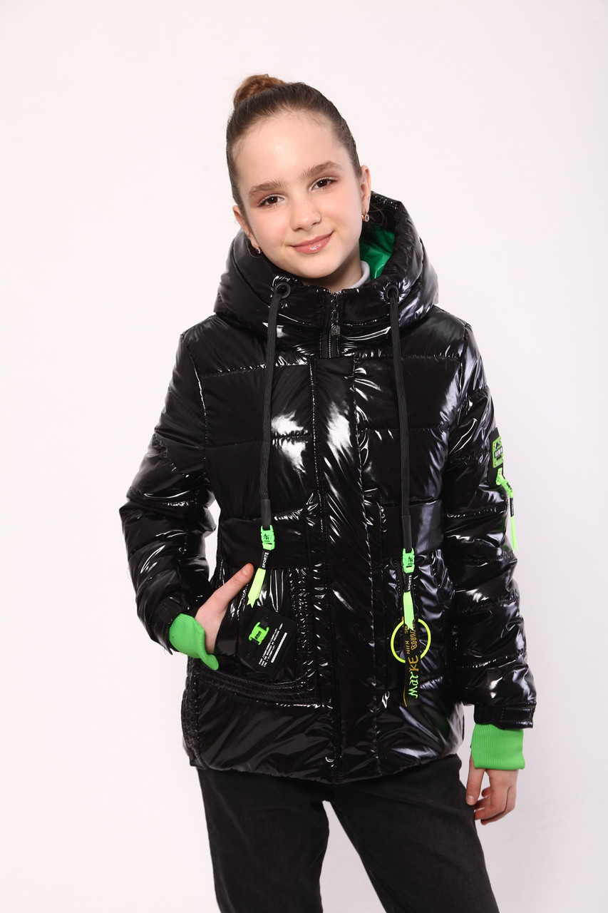 Демисезонное пальто для девочки 32-42 красное