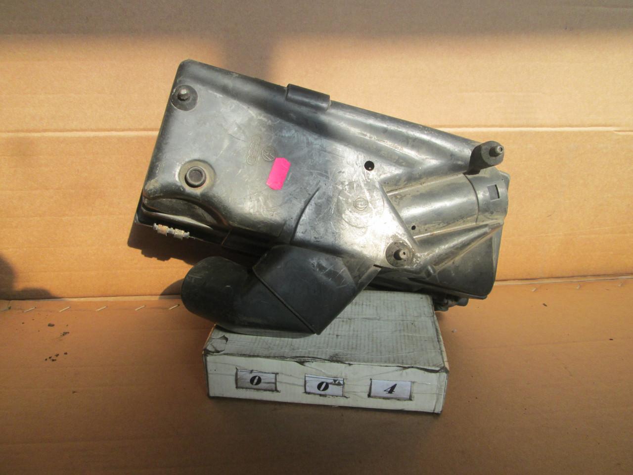 №4 Б/у Корпус повітряного фільтра  027133837H для VW Golf II Jetta Audi 80 1983-1991