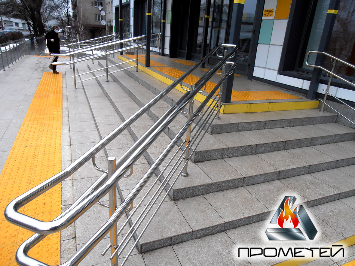 Роздільники потоку для сходів з нержавіючої сталі на ганок від виробника в Хмельницькому та Хмельницькій області