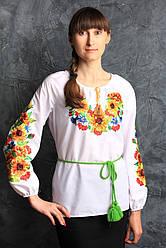 Нарядная блуза с вышитыми подсолнухами