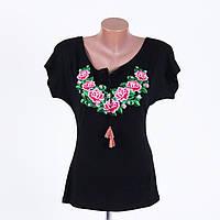 Очаровательная и стильная футболка-вышиванка