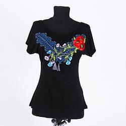 Эффектная женская футболка-вышиванка