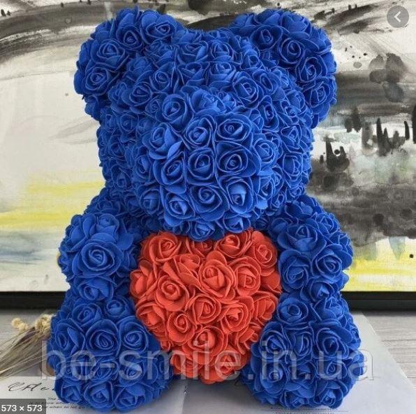 Мишка из роз 40 см синий с красным сердцем в руках + Подарочная бокс .