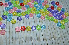 Бусина в виде цветка карамельного цвета с английской  буквой 11 мм