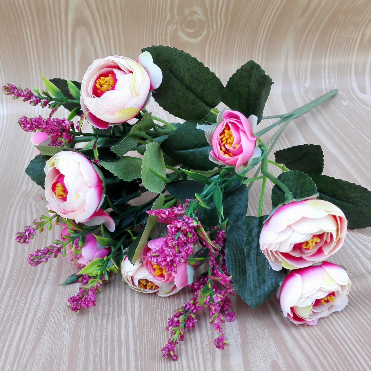 Букет камелии ранункулюса шебби шик с лавандой  белый с  розовым 30 см.