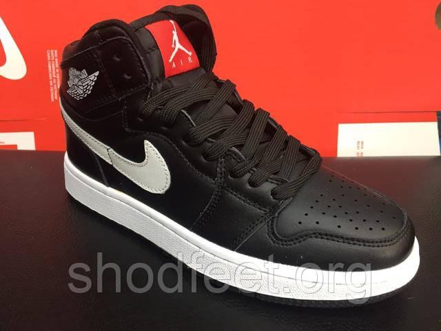 кроссовки Air Jordan 1 Retro Black White